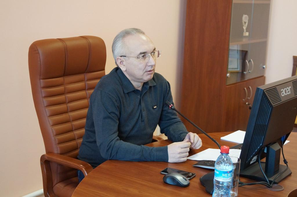 В Казани ректора кооперативного института подозревают в «обнале» почти 400 тысяч рублей